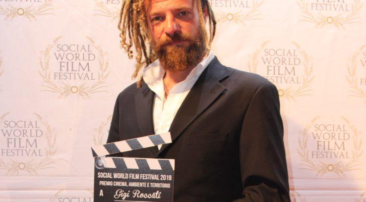 """Gigi Roccati al Social World Film Festival porta a casa tre premi per il suo film  """"Lucania – Terra Sangue e Magia"""""""