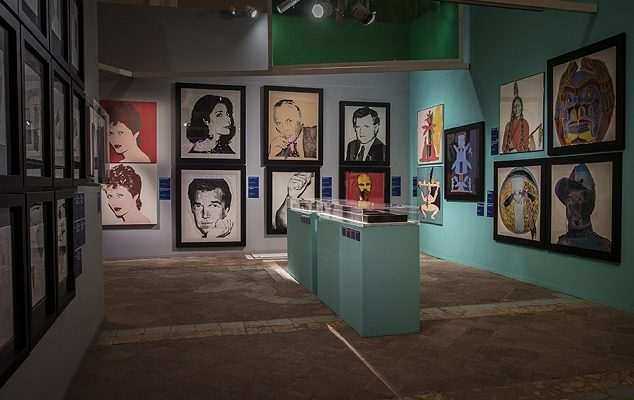 Alla Basilica di Pietrasanta di Napoli, una mostra dedicata ad Andy Warhol
