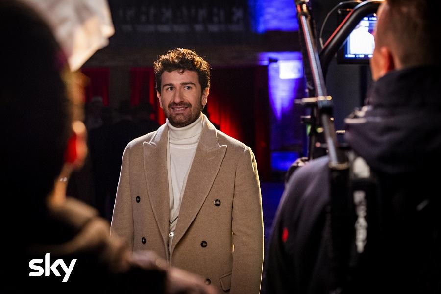 Alessandro Siani approda in tv con Stasera felicità