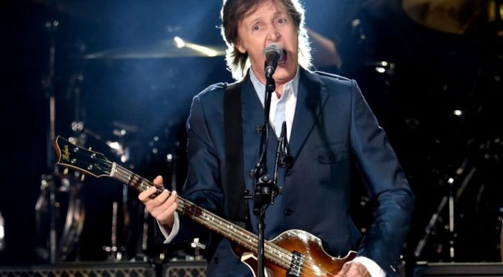 Paul McCartney a Napoli: Piazza del Plebiscito diventa il palco di un grande show