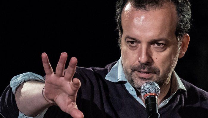"""Al Piccolo Bellini in scena """"In nome del padre"""", di e con Mario Perrotta"""