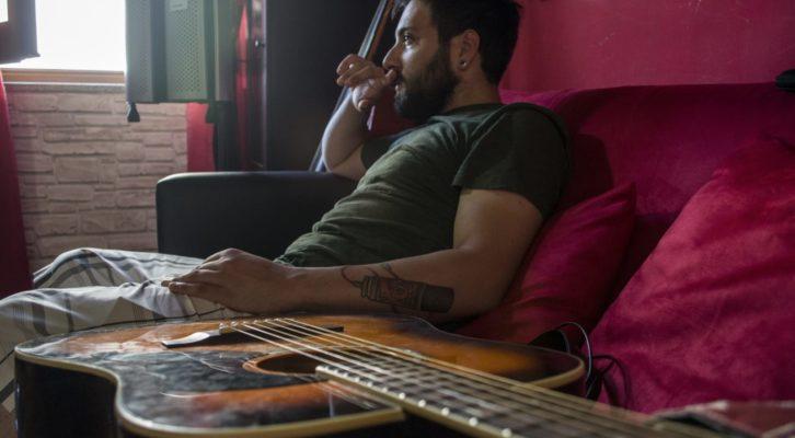 Lightnes, il disco d'esordio del giovane musicista napoletano Gab Ryal