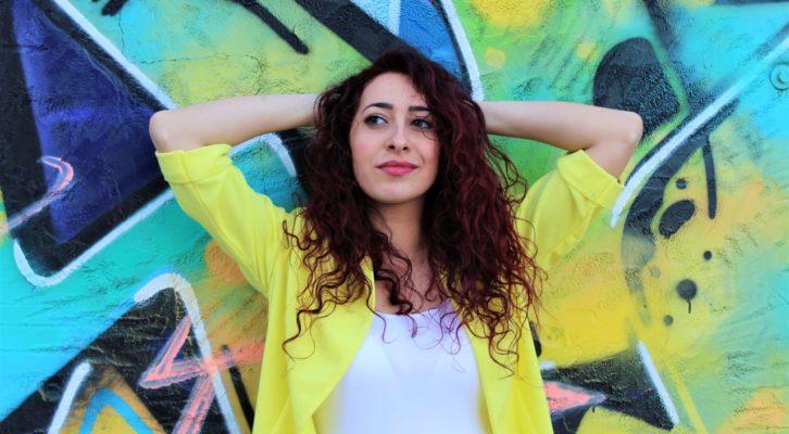 """Veronica Perseo, la vincitrice di """"Tali e Quali"""" pubblica il primo singolo """"Vivere a metà"""""""
