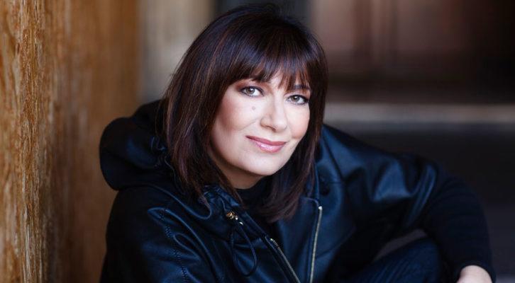 Intervista a Mariella Nava: la cantautrice torna con il singolo inedito Povero Dio