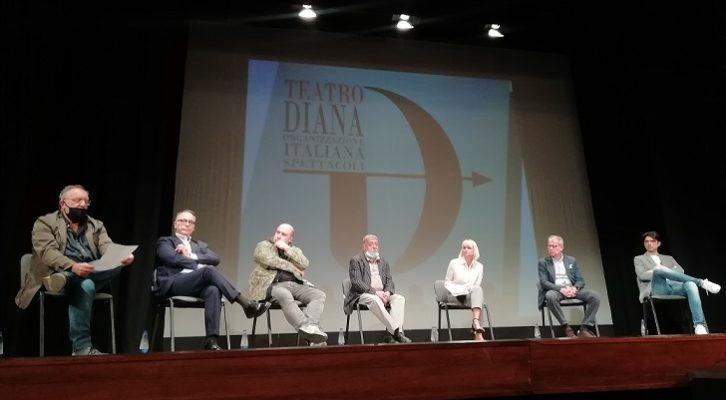 Il Teatro Diana ricomincia presentando una nuova stagione
