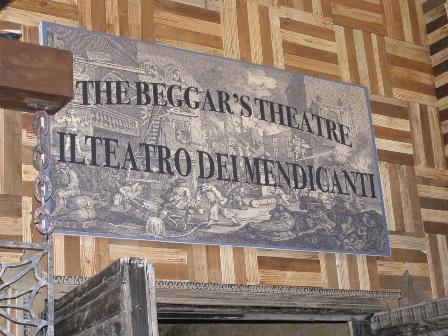 """Cala tristemente il sipario del """"The Beggars' Theatre-Il Teatro dei Mendicanti"""""""