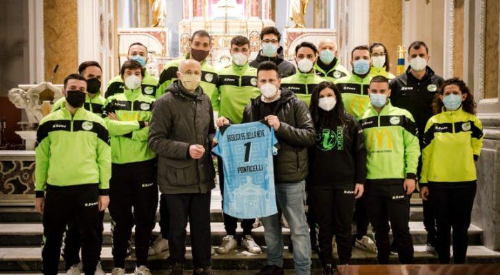 """La """"Pallavolo Ponticelli"""" dedica le maglie della squadra maschile alla Basilica Santuario di Maria SS. Della Neve"""