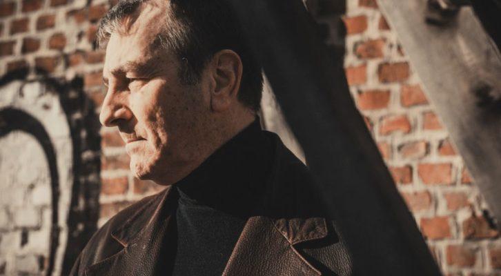 Intervista ad Andrea Tich: il cantautore ci racconta il suo nuovo viaggio musicale