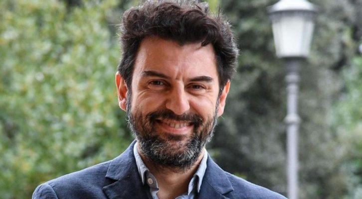 """Enrico Ianniello presenta il nuovo romanzo """"Alfredino, laggiù"""""""