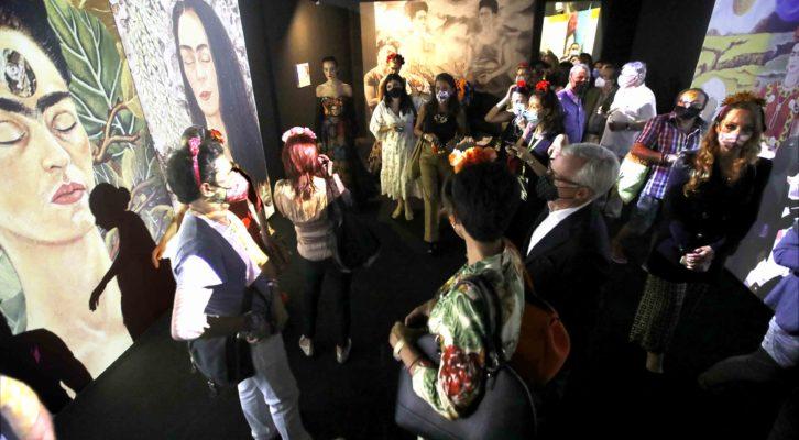 """Il palazzo Fondi di Napoli accoglie la Mostra """"Il caos dentro"""" dedicata alla grande artista messicana Frida Kahlo"""