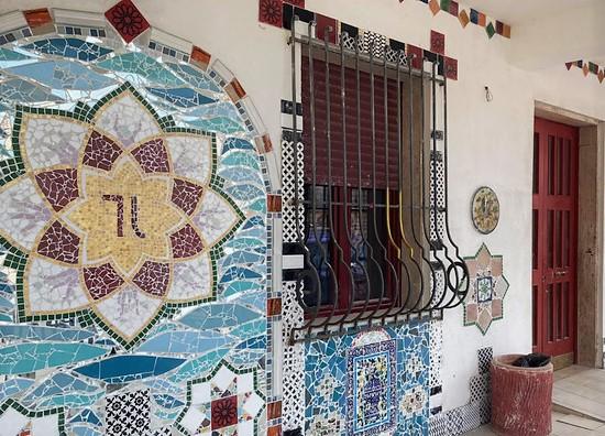 A Ferrazzano un teatro ricoperto di mosaici