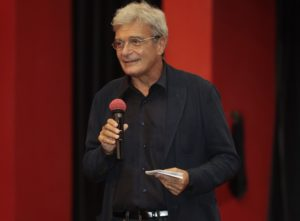 "Recensione film: ""Qui rido io"" di Mario Martone (mario martone 1 300x221)"